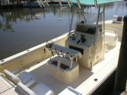 Fins-N-Grins Charter Fishing Boat - 2005 25 ft. Parker SE - bridge view
